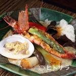 はまけん - にんにく風味がたまらない、香港を感じる絶品料理『季節のはまけん風 海鮮香港蒸し物』