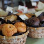 パン チキチキ - 店内のパン