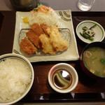 どんと - 料理写真:日替わりランチ(ロース、とり天) 799円