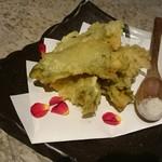 カモメヤ - アボガドの香味揚げ