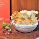 ボッテガ - オリーブとパン