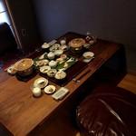 78197395 - 個室食事処(朝の風景)