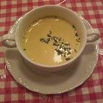 """782359 - 野田阪神・下町のフレンチ""""ビストロかたおか""""ランチのスープ:コーンポタージュ"""