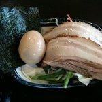 三ツ矢堂製麺 - 具アップ