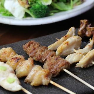 ○焼鳥・お造り○新鮮な朝引き鶏・魚介を使った料理の味は格別