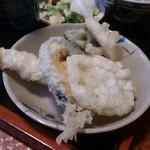丸亀 - ・ミニうどん定食の天ぷら