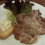 カフェ アオヤマ - 今日の日替り昼ご飯は豚と白身魚でした