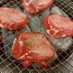長澤屋 - 料理写真:タン 良い具合に塩胡椒