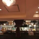ワインと熟成肉のイタリアン ボノ - 内観写真:店内雰囲気あります。