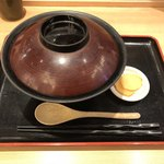 78217119 - 【料理】シンプルに親子丼といぶりがっこのみ