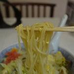 いそべ食堂 - あっさり系のスープにストレート麺