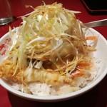 紅宝石 - まるで二郎系のラーメン野菜マシマシみたい