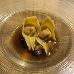 78225441 - 京赤地鶏のトルテッリ 茸のスープ2