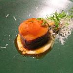 78225448 - 丹波高原豚のヒレ肉のパンチェッタ巻き ゴルゴンゾーラ・チーズをじゃがいもで練り込んで あんず茸添え2