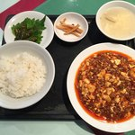 峨嵋山 - 麻婆豆腐ランチ 980円