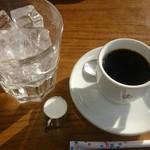78229711 - アイスコーヒーはこんな感じで出てきます。