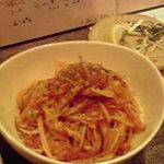 だいにんぐ dorami - 春キャベツとベーコンのトマトソースパスタ