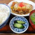 中川食堂 - カツ丼(離れ)