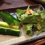 鳥せい - 野菜(骨付地鳥もも焼のセット)