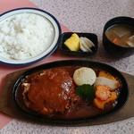 ワンモア - 料理写真:手作りハンバーグ定食