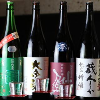 料理によく合う、全国屈指の旨い日本酒がたくさん◎