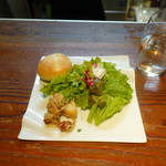 ポルトベッロ - ランチにつく前菜、サラダ、パン
