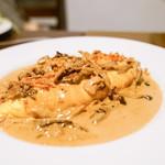 Bistro Sentiment - オムレツ ポルチーニといろいろ茸のクリームソース