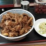 横浜家 - 牛丼¥380+お新香¥50