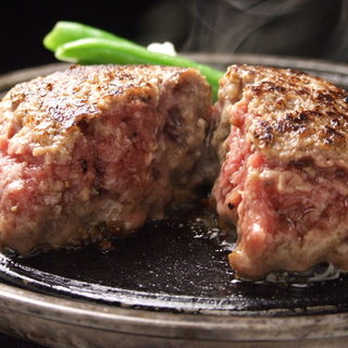 融点の違う肉を使用することで生み出すとろける食感