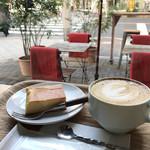 78240385 - チーズケーキとカフェラテ