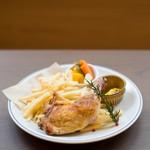 骨付き鶏肉のコンフィ フレンチフライ添え(単品)