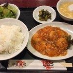 中華料理 しむら - 料理写真:今週のおすすめ定食 乾焼蝦仁定食 (海老のチリソース煮定食)