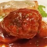 カサ・デ・フジモリ - 粗挽肉のハンバーグステーキ