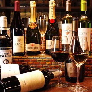 鉄板バルのスタイルでワインを楽しめる♪