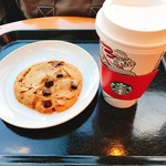 スターバックス・コーヒー - チョコチャンククッキー・グランデスターバックスラテ