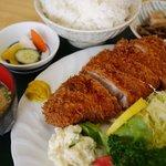 稲安 - トンカツ定食