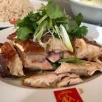 威南記海南鶏飯 - ローストチキンライス 1100円。