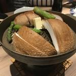 九州うまいもん通り かんてきや - 大分しいたけジャンボステーキ(焼く前)あっ!コレも喰った