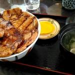 ぶたいち - ロース豚丼900円。