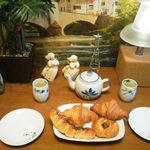 NOBU Cafe アトレ川崎店 - 今晩は緑茶でティータイム