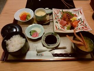 和食しゃぶしゃぶ おめでたい - 「刺身定食」
