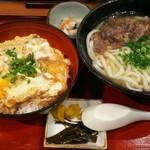 金比羅うどん - 親子丼スペシャル ¥950 (肉うどん)