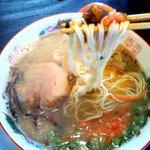 ばたやん - 紅ショウガ、高菜をトッピング(無料)