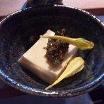 なっぱSUN - 本日のお通し 豆腐の塩漬け。席料450円