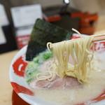 豚骨ラーメン専門 大名古屋一番軒 - 麺は細い