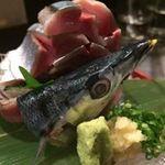 来ル里 - 秋刀魚の刺身。姿造り。