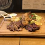 肉エル - 肉エルセット(やわらか牛サガリステーキ、骨付き鶏もものコンフィ、豚肩ロースステーキ)