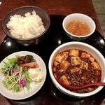 China dining 迦羅求羅 - マーボー定食(副菜付き)