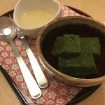 華花 - デザートの抹茶のわらび餅、安納芋のソース