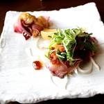 78277395 - ■北海道小西鮮魚店 函ぶりのタタキと彩り大根のサラダ仕立て 1800円
